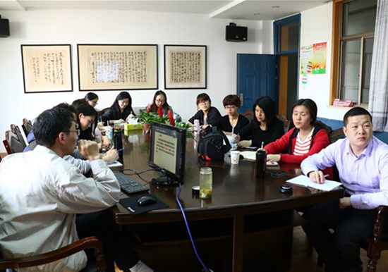 上海市电教馆陈国棋主任为吴泾镇学区化教师做微课专题讲座